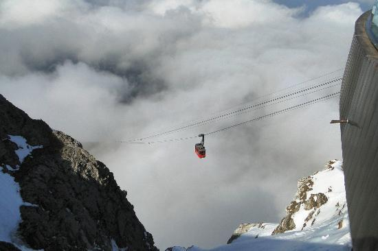 Hotel Pilatus-Kulm: Cable Car to Mt. Pilatus