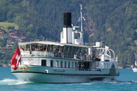 Aquawelle: Schifffahrt auf dem Thunersee