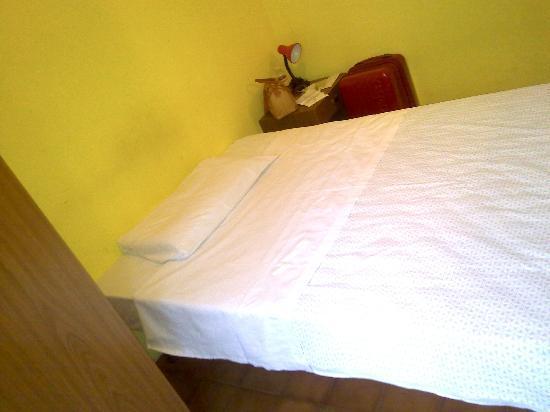 Verona Hotel : La singola che era in realtà matrimoniale