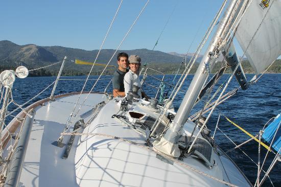 Velero el Orgulloso Bariloche: Disfrutando una buena navegación
