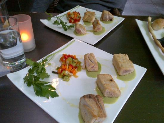 San Rocco: Tuna fish cubes in bread crust served with basil emulsion and crispy vegetables with fresh ginge