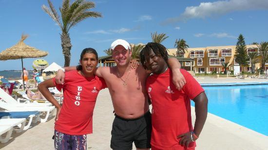 Houda Skanes : Twitty, я и Mambo