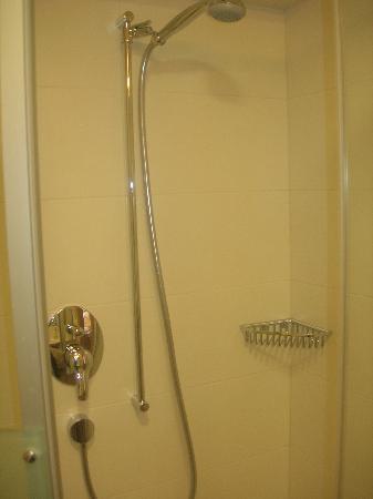 Hotel Post: Dusche 1