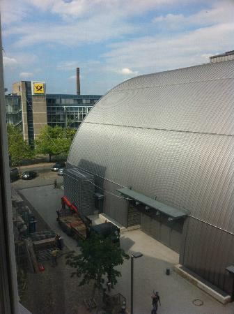 Hotel Bielefelder Hof: Aussicht (Rückseite) auf Stadthalle