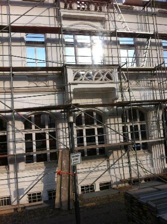 Hotel Bielefelder Hof: Gerüst / Bauarbeiten an der Fassade