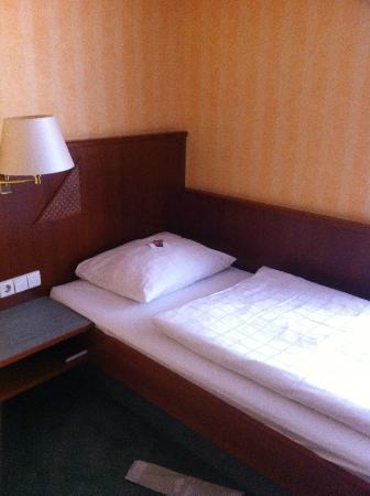 Wartburg Hotel: Einzelbett