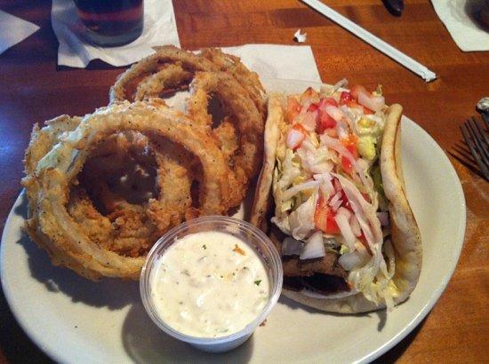 Stone Ridge Tavern : gyro and onion rings