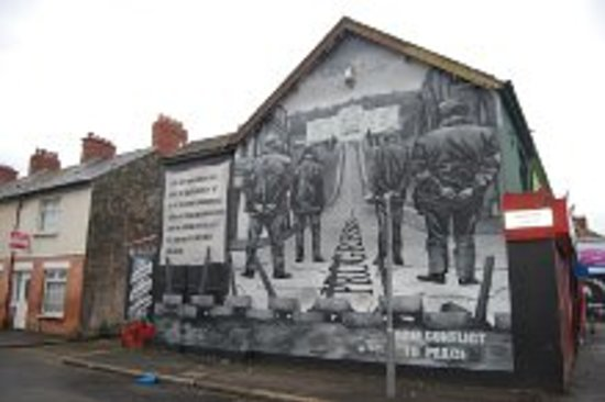 Peace wall picture of belfast mural tours belfast for Belfast mural tours