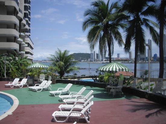 Plaza Paitilla Inn: Vista desde el hall