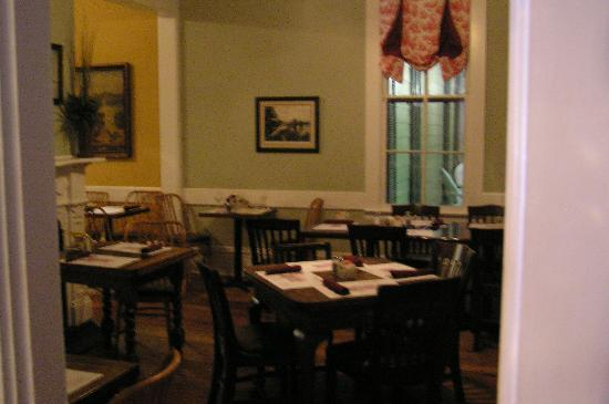 Walnut Hills Restaurant: Dining area