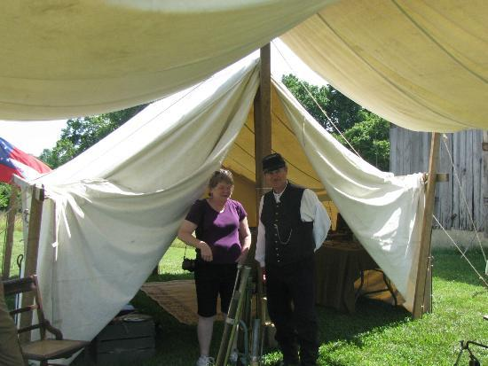 Bryantown, Мэриленд: The union camp display at the Mudd House Farm