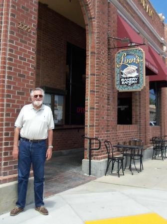 Linn's Fruit Bin Restaurant: Father's Day Getaway