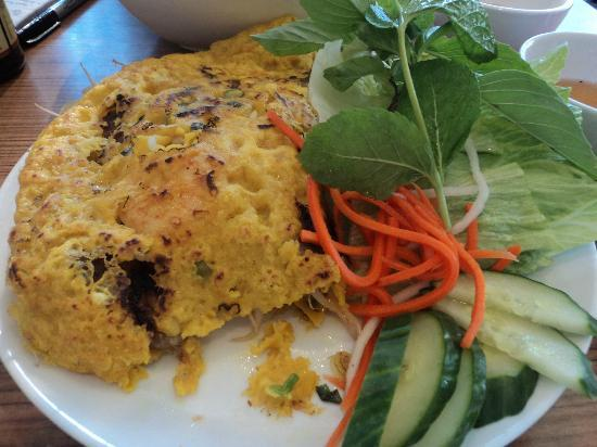 Pho Orchid : Vietnamese crepe/omelette thing