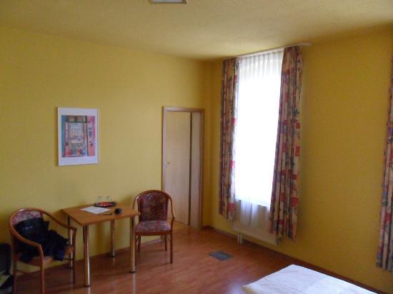 Hotel Kurfurst Dresden: Zimmer