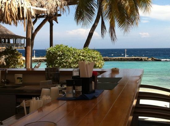 Avila Beach Hotel: vanaf het lunchbarretje