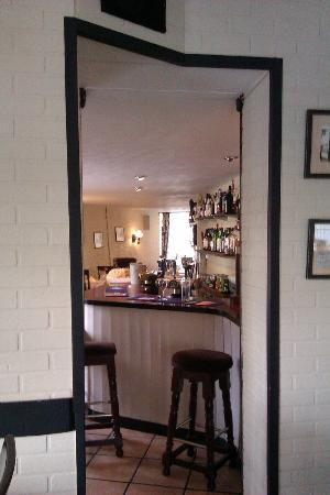 The Farmers Hotel: Peeping through to the bar
