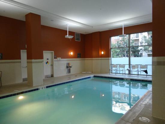 Residence Inn Arlington Courthouse: Pool