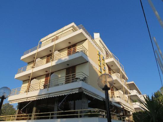 Minavra Hotel: La Fachada