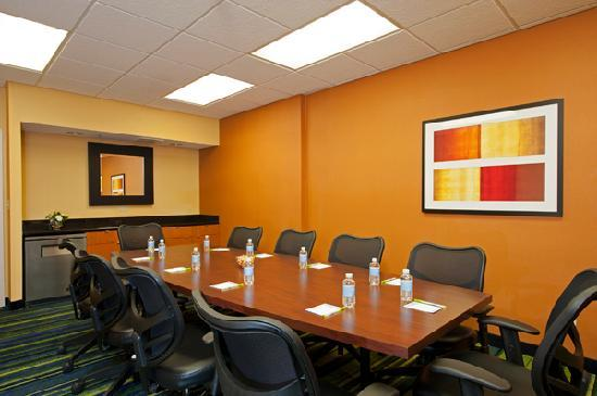 Fairfield Inn & Suites Chicago Naperville: Book your meeting today.
