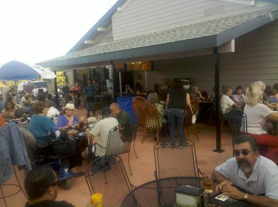Wrangler's Bar & Grill : Patio