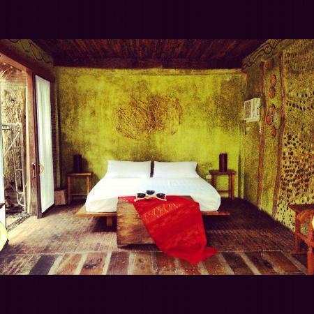 Ugu Bigyan: Room