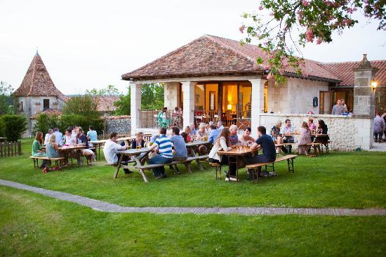 Manoir de Longeveau: BBQ