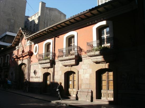 ‪Red House (Casa Colorada)‬
