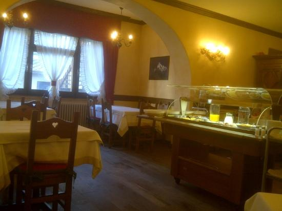Hotel Courmayeur: The Other side of the Breakfast Room