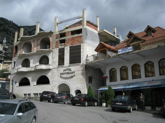 Hotel Panorama : frontside of the hotel when you arrive