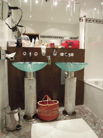 هوتل كلوستر براوي: Bathroom of maximilian suite 