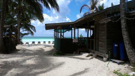 Bahama John's Seafood-N-Rib Shack: Front