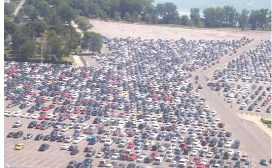 Cedar Point : View of parking from the tower