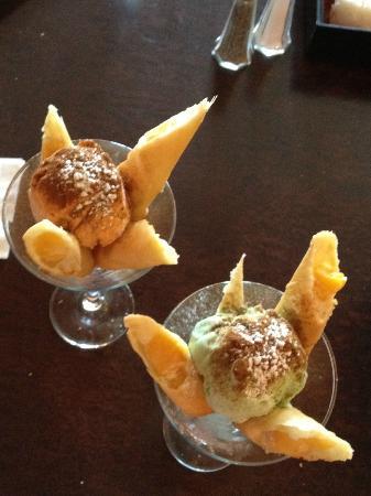 Dave Green Papaya : mango springrolls.