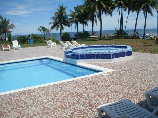 Reserva Aguamarina Hotel y Cabañas: Piscina y Jacuzzi