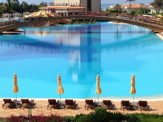 โรงแรมมาร์เดนพาเลซ: pool