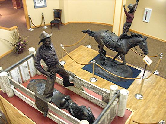 Fort Pierre, SD: Tibbs & Mattie Goff Bronze Statues