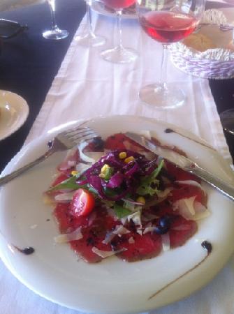 El Refugi: carpaccio of veal with Parmesan