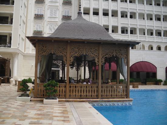 Mardan Palace: garden