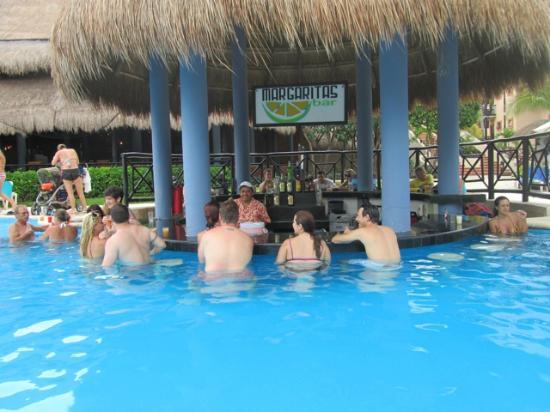 Swim Up Bar Picture Of Catalonia Riviera Maya Puerto