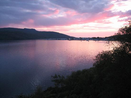 Tanglewood House: Evening sky on Loch Broom