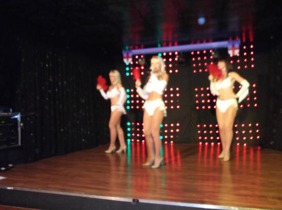Hotel Belvedere : The dancers were brill