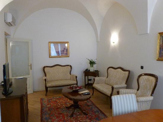 Hotel Residence Retezova: Jerusalem Livingroom