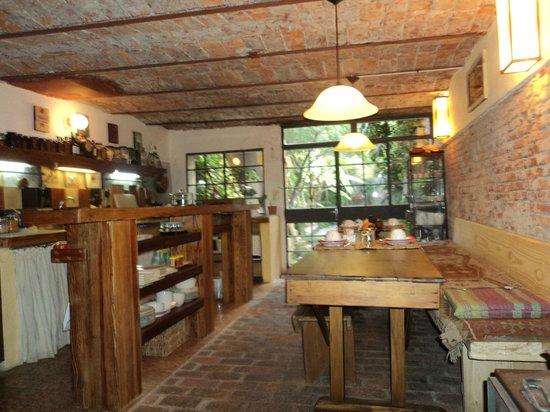 Colonia Suite: Cocina donde se desayuna