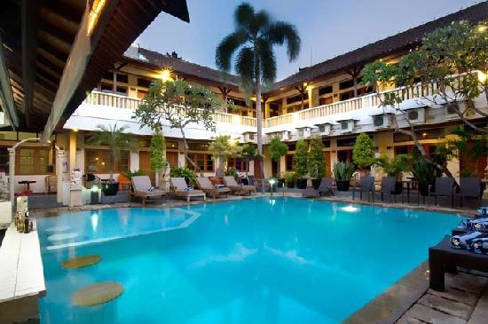 Rosani Hotel: Swimming Pool