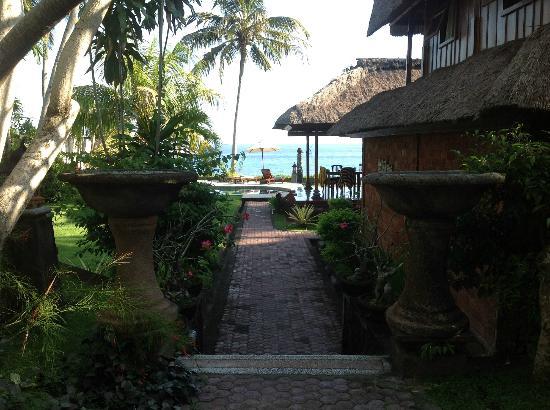 Villa Gading: Fantastic Garden