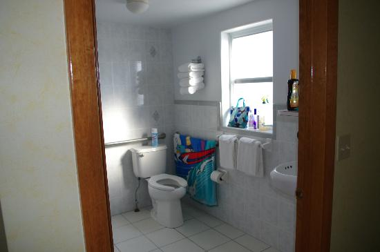 Imperial 500 Motel : Bathroom