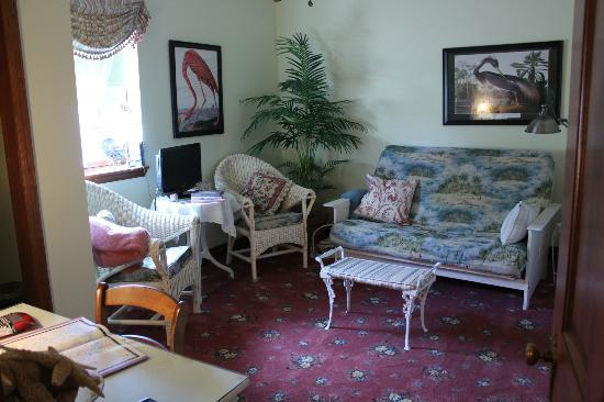 Old Church House Inn: Sitting Room