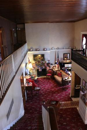 Old Church House Inn: Living area