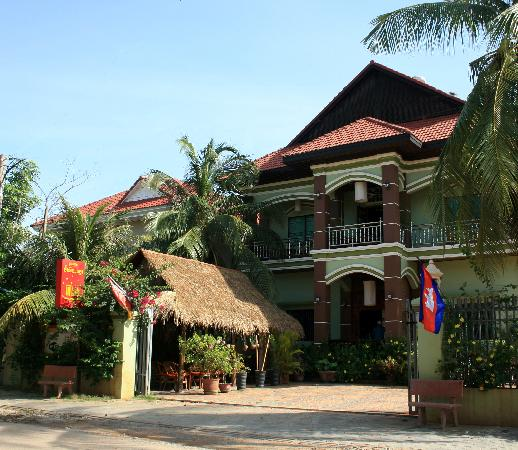 Firefly Guesthouse- The Berlin Angkor: The Guesthouse