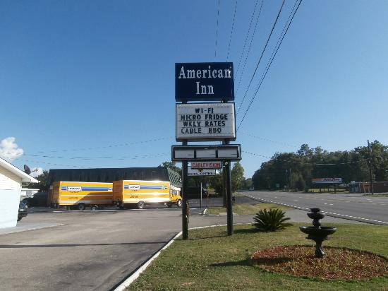 American Inn Fort Jackson: the name of the motel